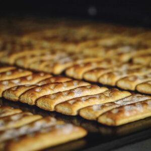 1970 matilde vicenzi puff pastry production